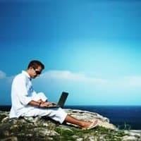 Работа в социальных сетях: какими преимуществами обладает?